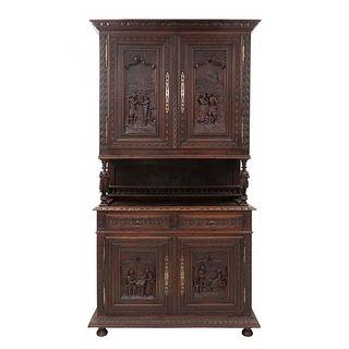 Buffet. Francia. Siglo XX. En talla de madera de roble. A 2 cuerpos. Con 2 cajones y 4 puertas. 250 x 136 x 53 cm.