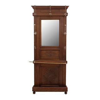 Perchero-Paragüero. Francia. Siglo XX. Estilo Enrique II. En talla de madera de roble. Con espejo de luna rectangular. 200 x 80 x 17 cm