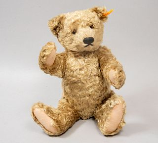 Teddy Bear. Germany. 20th century. Steiff. Plush toy. With brand button and label.