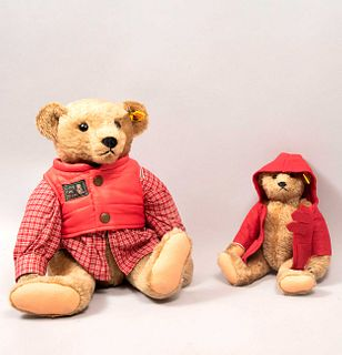 Lot of 2 Toy Bears. Germany. 20th century. Steiff. Plush toy. With brand button and label. Dressed.