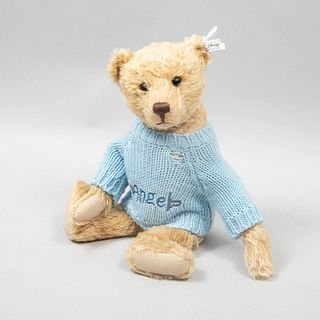 Toy Bear. Germany. 20th century. Steiff. Plush toy. Series number 02514. With brand button and label.