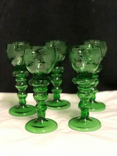 SET OF 5 VINTAGE  GREEN  WINE GLASSES ETCHED WITH GRAPES AND LEAVES