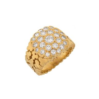VCA Diamond and 18K Ring