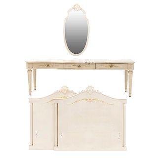 Recámara. Siglo XX. En talla de madera. Color blanco. Consta de: Par de camas individuales, tocador y espejo. 63 x 196 x 48 cm.