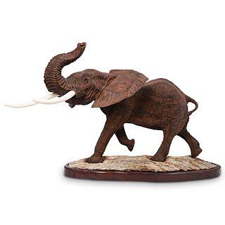 Mopho Gonde (Zimbabwe b.1968) Naturalistic Leadwood Elephant Statue