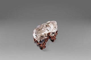 Rock crystal Pho dog, China, first half of the 20th century