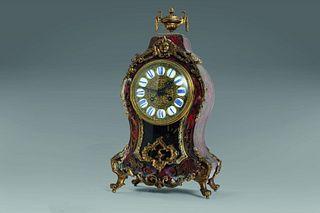 Napoleon III clock with tortoiseshell and gilt bronze inlays