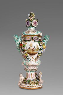 Large porcelain vase with flowers and cherubs in relief, Meissen manufacture, 19th century