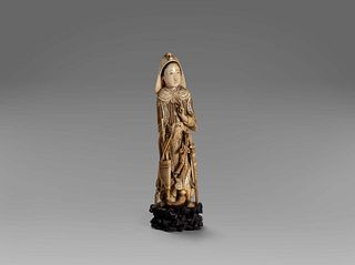 Ivory sculpture depicting a warrior, China late 19th - early 20th century