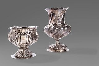Two vases in embossed 800 silver, late 19th century