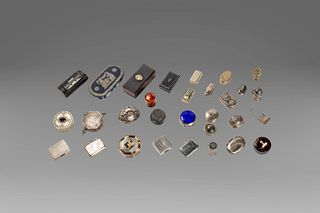 Lot consisting of 30 boxes in silver and other materials