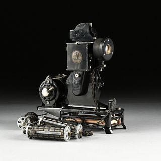A FRENCH CINEMA PATHÉ BABY 9.5MM AMATURE MOVIE PROJECTOR WITH MOTOR, 1922-1935,
