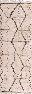 Vintage Moroccan rug , 4 ft 4 in x 12 ft 3 in ( 1.32 m x 3.73 m )