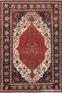 Antique Persian Sarouk Farahan, 4 ft 7 in x 6 ft 10 in (1.4 m x 2.08 m)