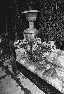 Gabriele Basilico (1944-2013)  - Studio di architettura per Domus: composizione con divano e gatto, years 1970-1980
