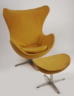 Arne Jacobsen Egg Chair and Ottoman for Fritz Hansen