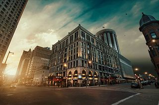 WEEKEND GETAWAY at Milwaukee's Iconic Pfister Hotel