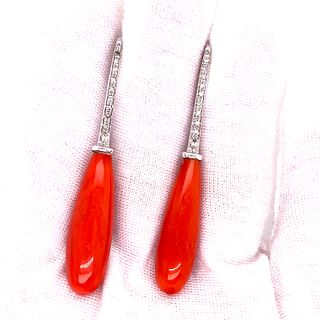 18k Coral Hook Earring Ê