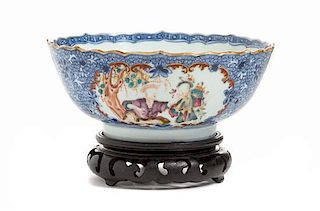 A Chinese Export Porcelain Bowl Diameter 6 3/4 inches.