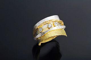 Slim Ran Ring with Diamonds