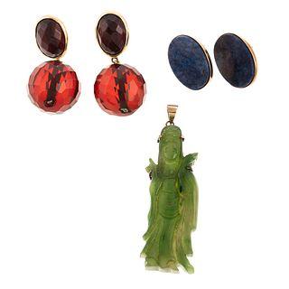 Two Pairs of Earrings & A Jade Pendant in 14K