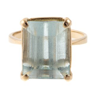 An 8.00 ct Emerald Cut Aquamarine Ring in 14K