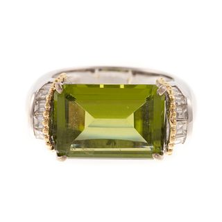 A 10.00 ct Peridot & Diamond Ring in 18K Gold