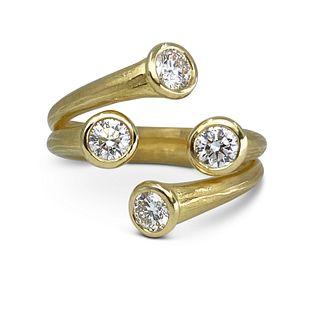 Four Star Diamond Ring in 18K gold