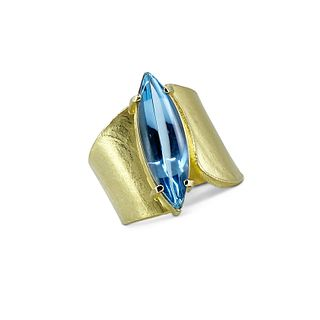 Wafer ring in 18K yellow gold with marquis aqua cabachon