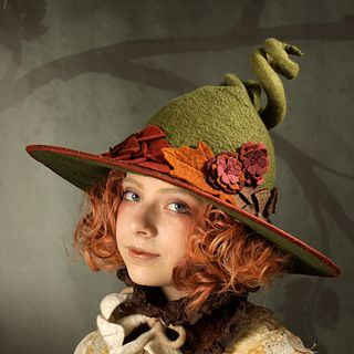'Falling Leaves' Witch or Wizard Hat - Green