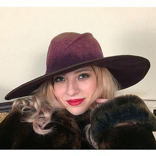 'Daphne' Wide Brimmed Hat - Burgundy