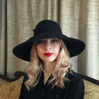 'Daphne' Wide Brimmed Hat - Black