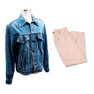 Lote de 2 prendas. Consta de: Chamarra Levi's. Estados Unidos, años 90 y Pantalón Façonnable. Francia, siglo XXI.