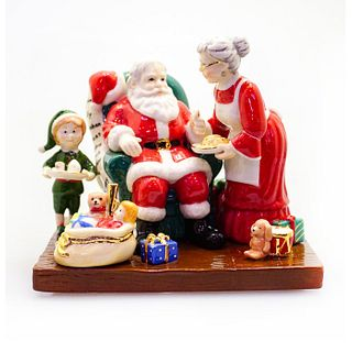 Santa Takes A Break HN5550 - Royal Doulton Figurine