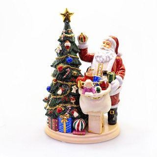 Santa's Finishing Touch HN5112 - Royal Doulton Figurine