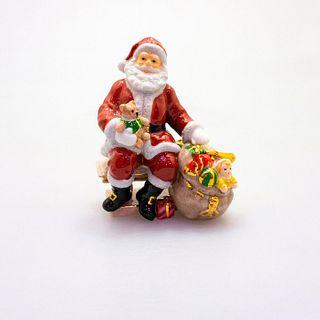 Santa HN4715 - Royal Doulton Figurine