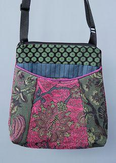 Riley Bag in Raspberry