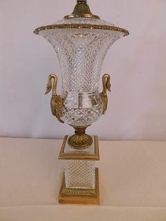 CUT CRYSTAL SWAN LAMP