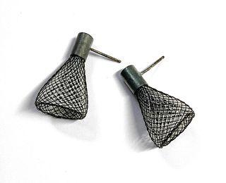 Spark Earrings Black/White