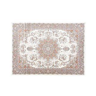 Tapete. Siglo XX. Estilo Mashad. Elaborado en fibras de lana y algodón. Decorado con medallón central. 250 x 350 cm
