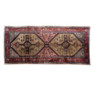 Tapete. Persia, Sarough Sherkat Faish. Siglo XX. Anudado a mano en fibras de lana y algodón. 194 x 190 cm