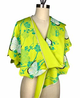 Bright green wrap with cherry blossom and butterflies.