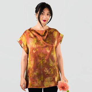 Silk tunic top in red: Madder root, vermillion, hibiscus