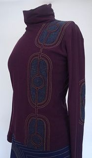 "Plum/Navy ""Ovals"" Applique, Stretch Top (SIZE S)"