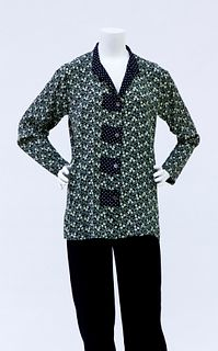 Tunic in Green Leaf Print with Dot Trim
