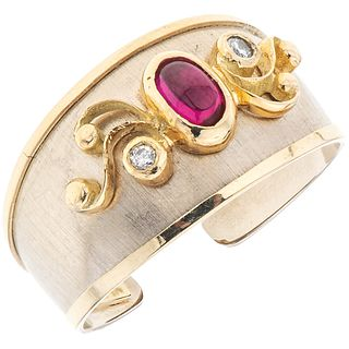 RUBY AND DIAMONDS RING. 14K YELLOW GOLD