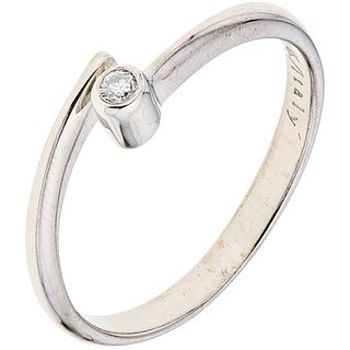 DIAMOND RING. 14K WHITE GOLD