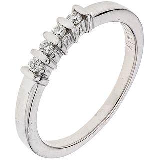 DIAMONDS RING. 14K WHITE GOLD