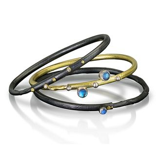 Twig Bracelet, Blue Moonstone Autus - center