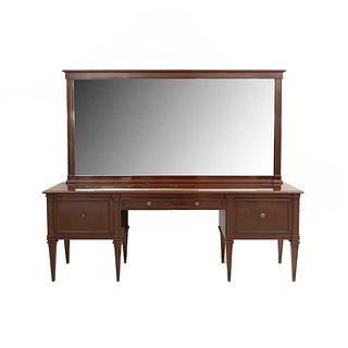 Tocador con espejo. Siglo XX. En madera. Con cubierta rectangular, 2 cajones con tiradores. Espejo con luna biselada. 75 x 201 x 45 cm